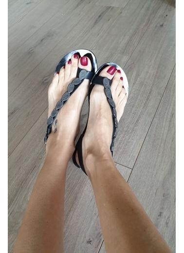Topukla Sandalet Siyah